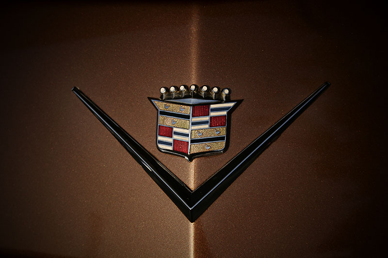 cadillac v emblem